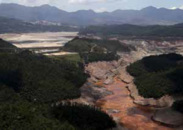AFTER FAILURE Fundão Tailings Dam